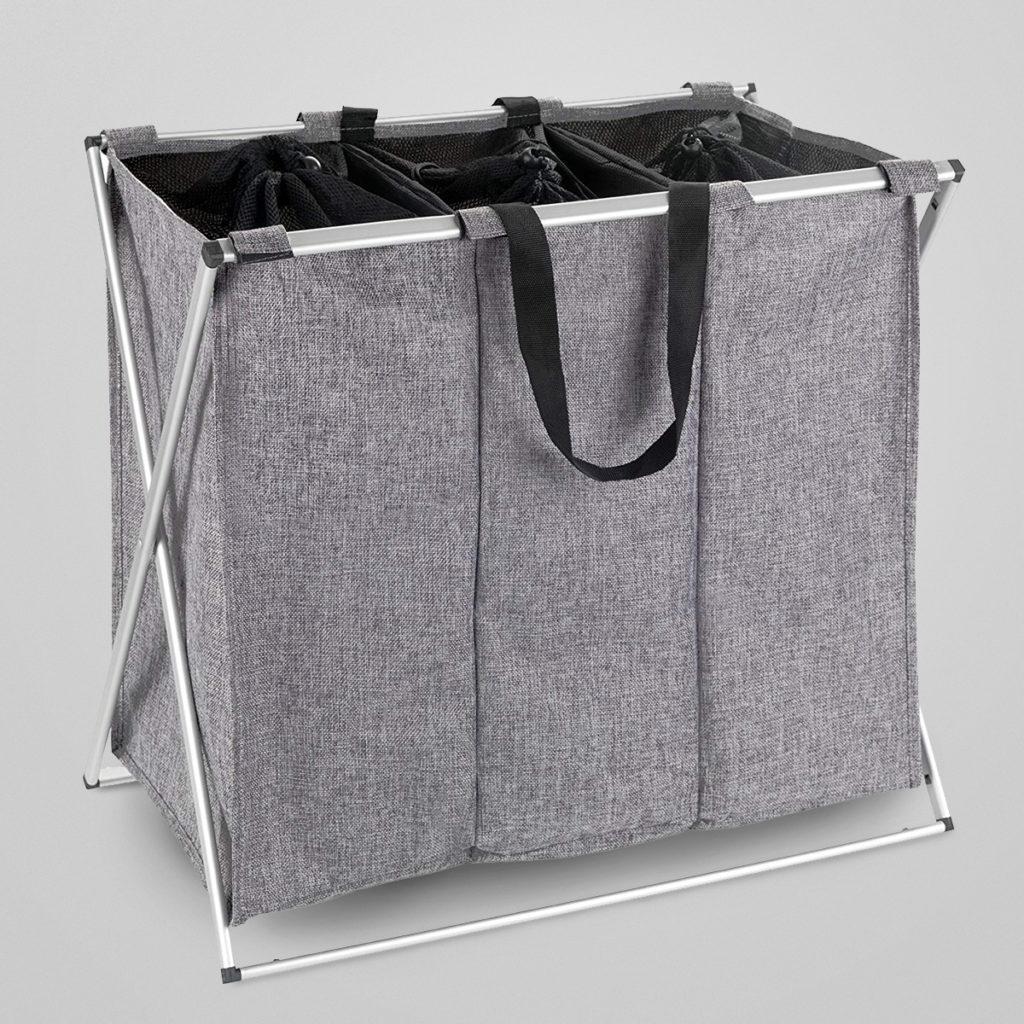 Wäsche spielerisch vorsortieren ist Zeitersparnis! Der Wäschesammler mit drei Fächer und praktischen Tragegriffen für bequemen Transport zur Waschmaschine.  Details & Bestellung